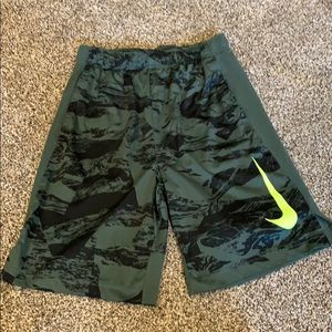 Boys Youth Large Nike Shorts